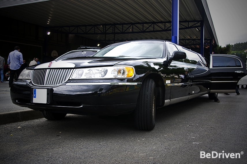 Choosing the Right One: Types of Limo Services